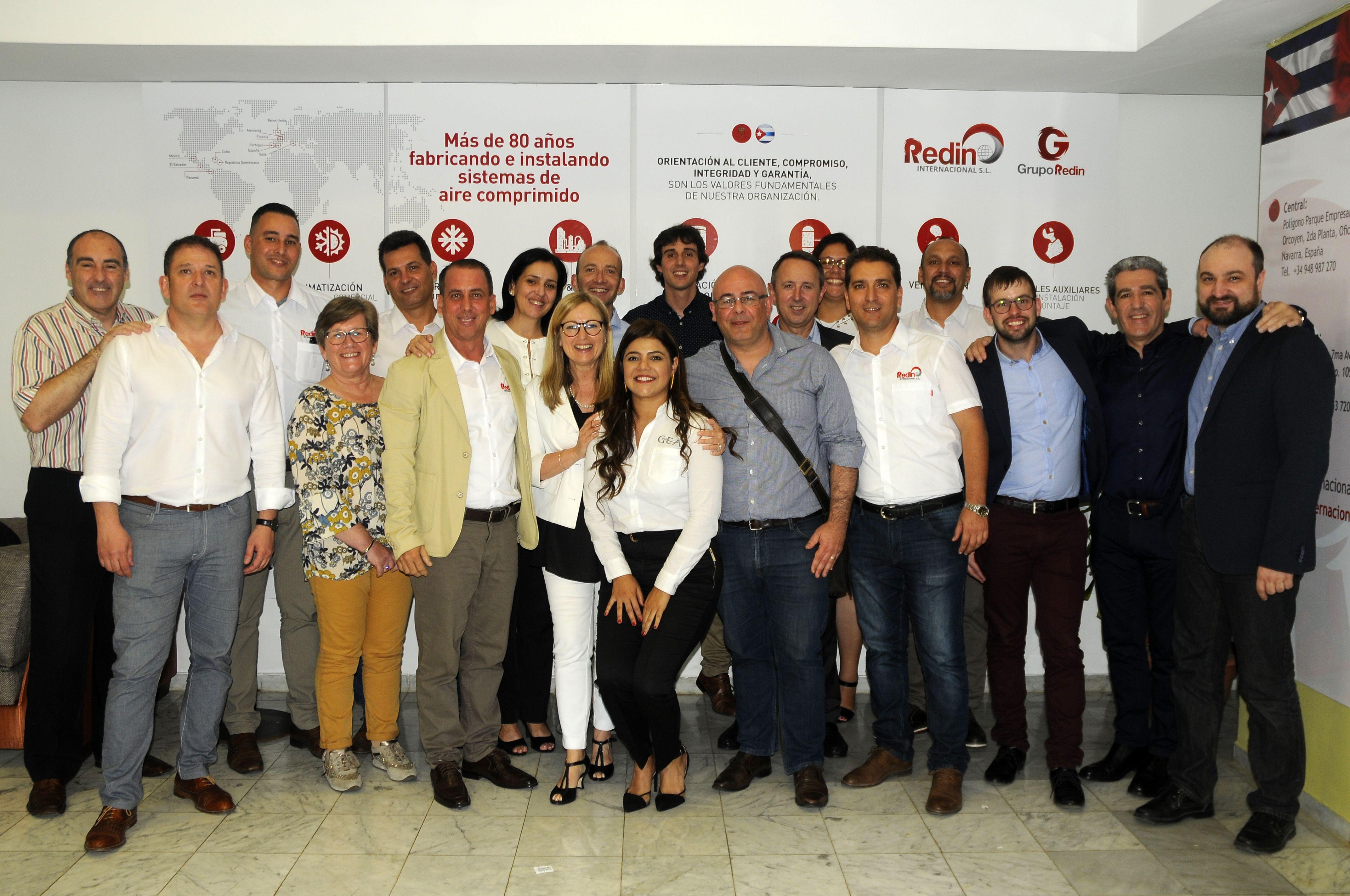 Foto de los Compañeros de Redin Internacional y sus partners.